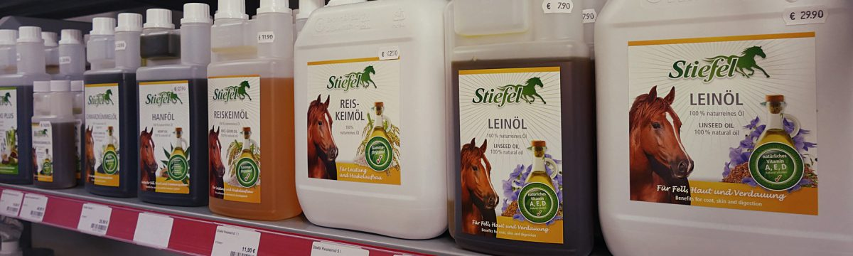 Pferd Pferdefutter Zusätze Leinöl Stiefel